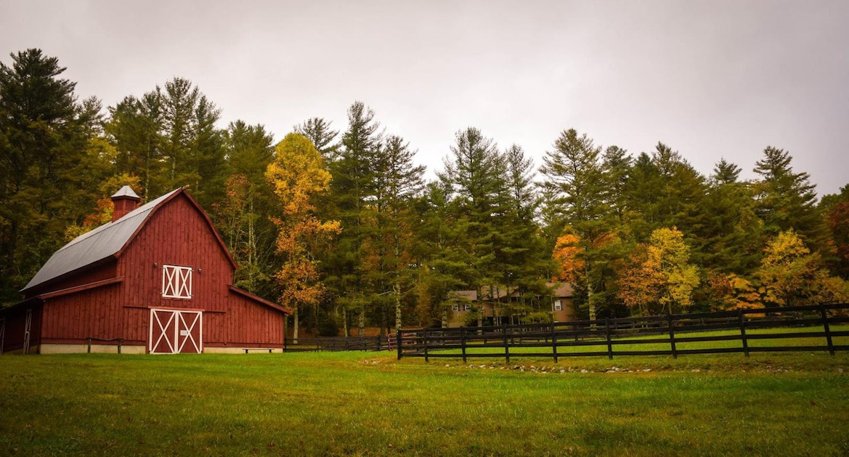 Iconic image of a rural property in new England.